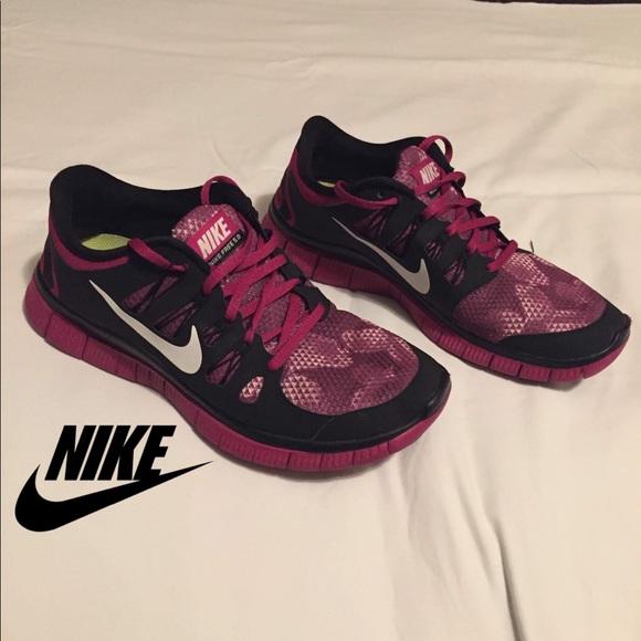 315592850f269 Magneta Womens Nike Free 5.0 Running Shoes. M 5c492287951996257e2851cd